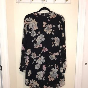 ASTR Floral long sleeve dress (Size L)